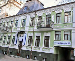 Продам 3-х этажное здание в Киеве,ул. Тургеневская 32А,